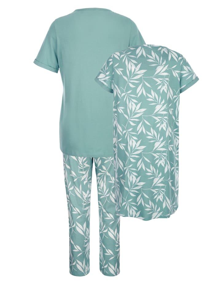 Ensemble composé d'une chemise de nuit et d'un pyjama