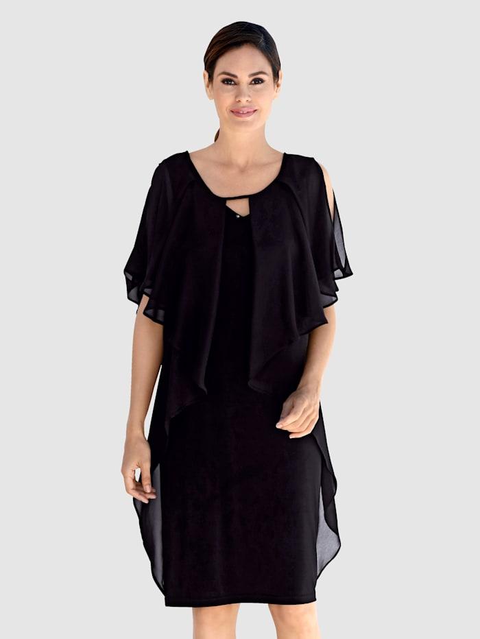 Kleid in raffinierter Schnittführung, Schwarz