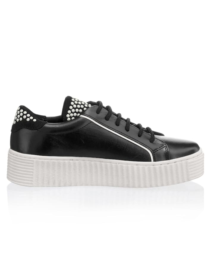 Trainers with ribbed platform sole
