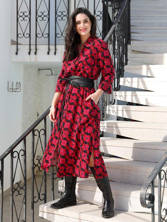 Kleid mit modischem Retro Druck
