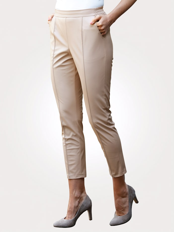 MONA Cropped faux leather trousers in a comfortable pull-on style, Cream