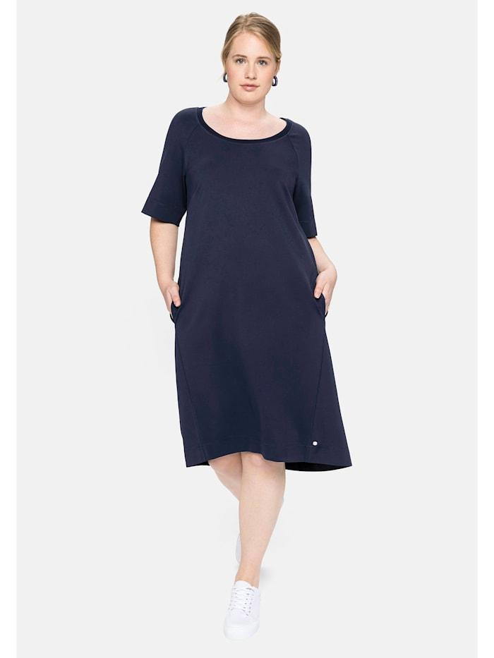 Sheego Jerseykleid mit dekorativem Rundhalsausschnitt, nachtblau