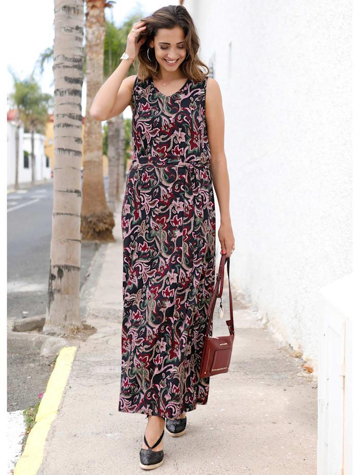 Kleid in angesagter Maxilänge