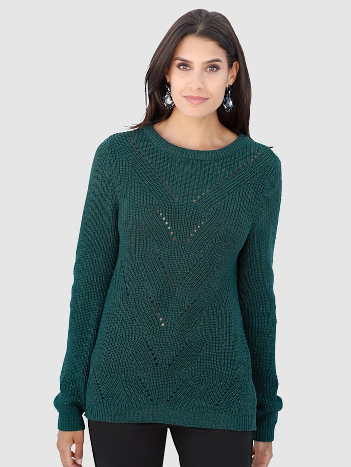 Jumper with an elegant ajour knit