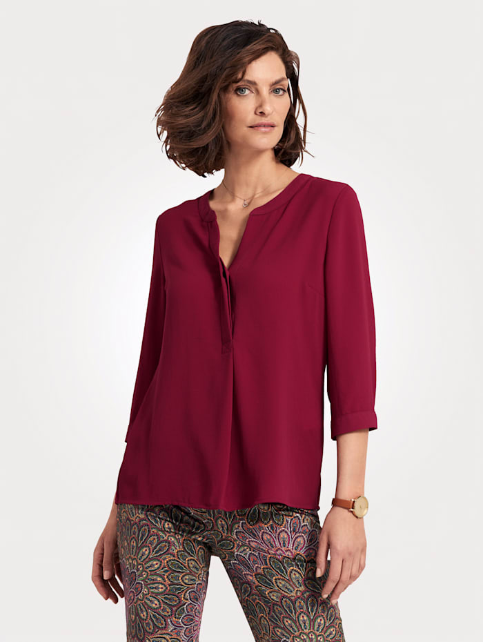 Pull-on blouse with flattering three-quarter length sleeves