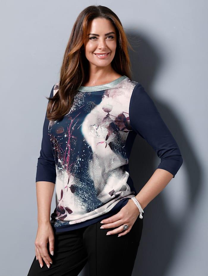Shirt mit glitzerndem Ausschnitt