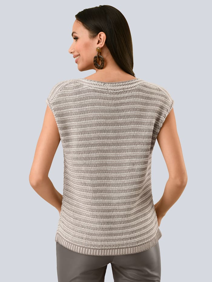 Pullover in aufwendigem Strukturstrick
