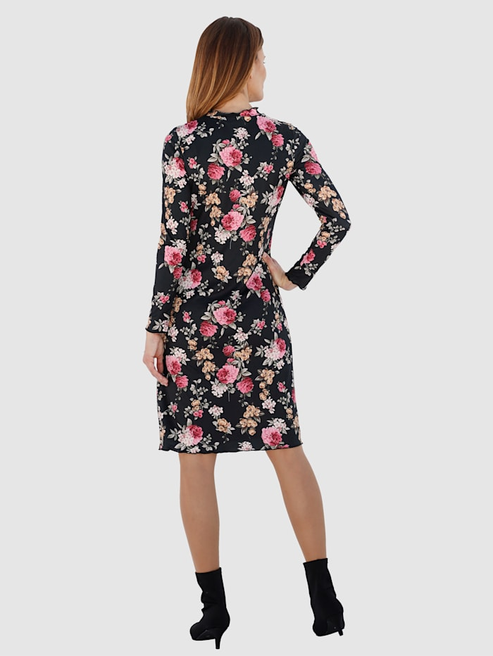 Dress with a beautiful floral print
