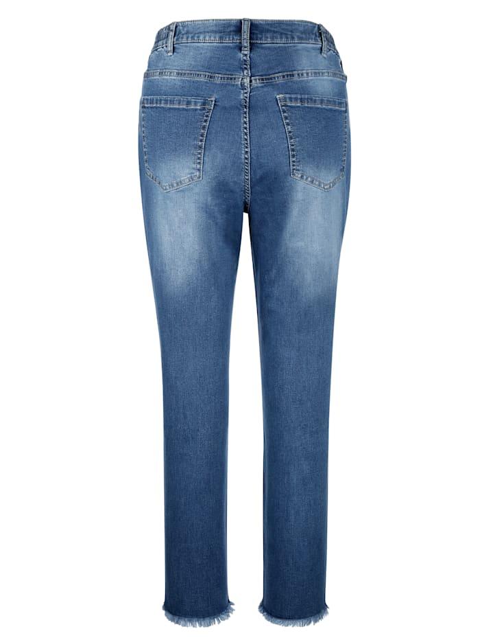 Jeans mit dekorativem Piping