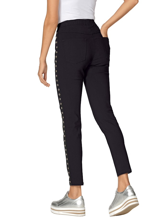 Pantalon aux jolis détails côtés