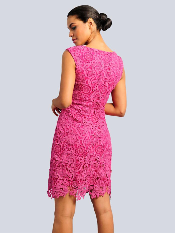 Kleid aus wunderschöner Spitze