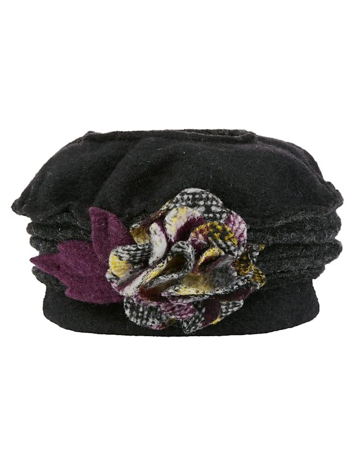 Hut mit Dekoblüte