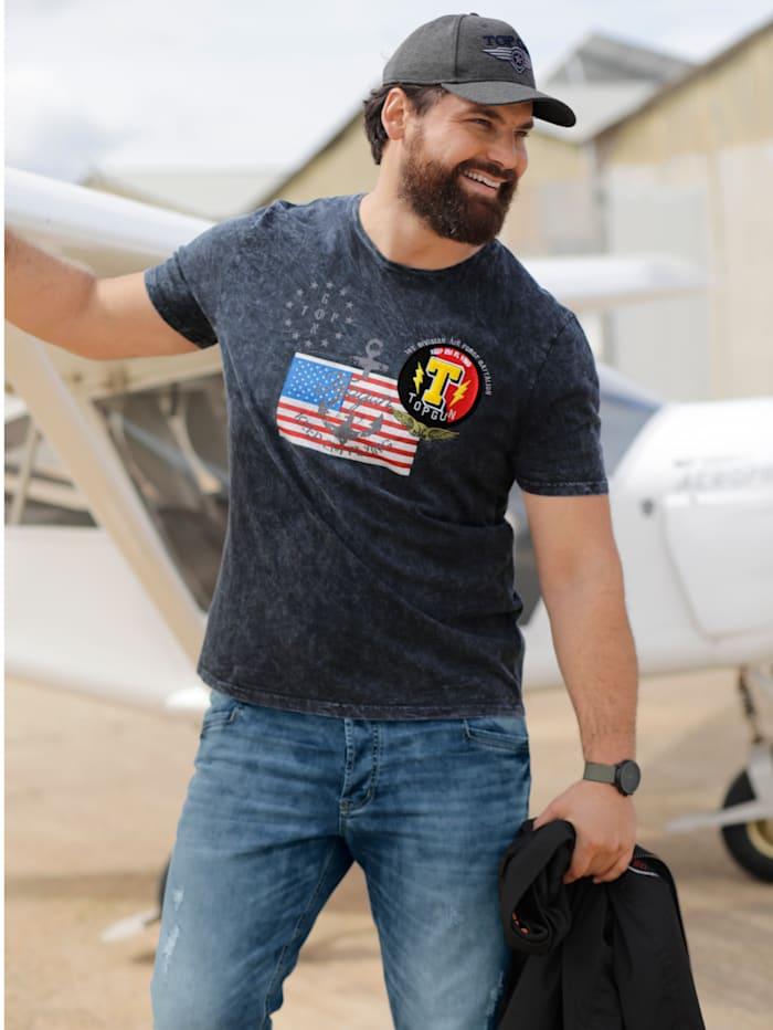 T-paita lippupainatuksella