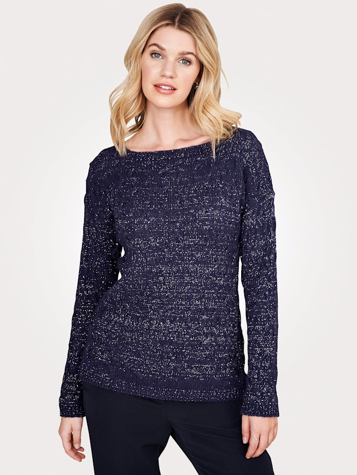 Jumper in an on-trend cable knit