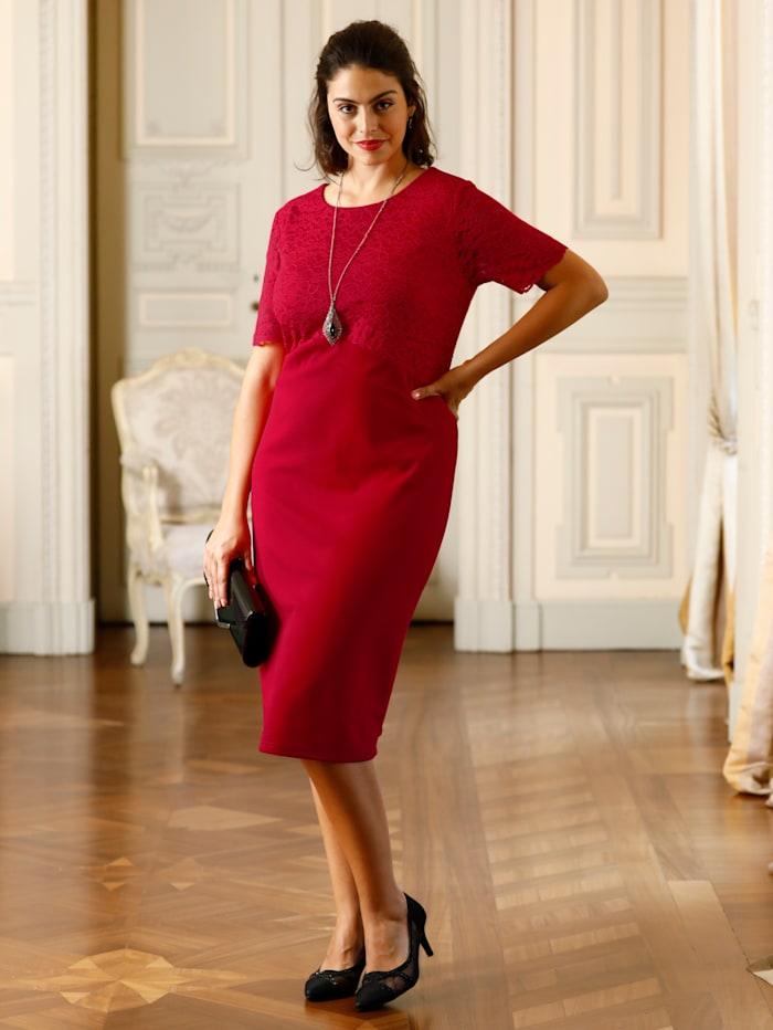 m. collection Kleid mit schöner Spitze im Oberteil, Rot