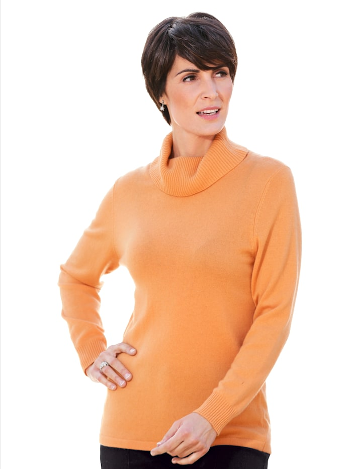 Cashmere jumper with a snug polo neck