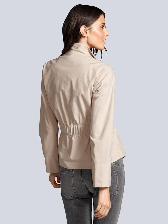 Jacke in leichter Ware