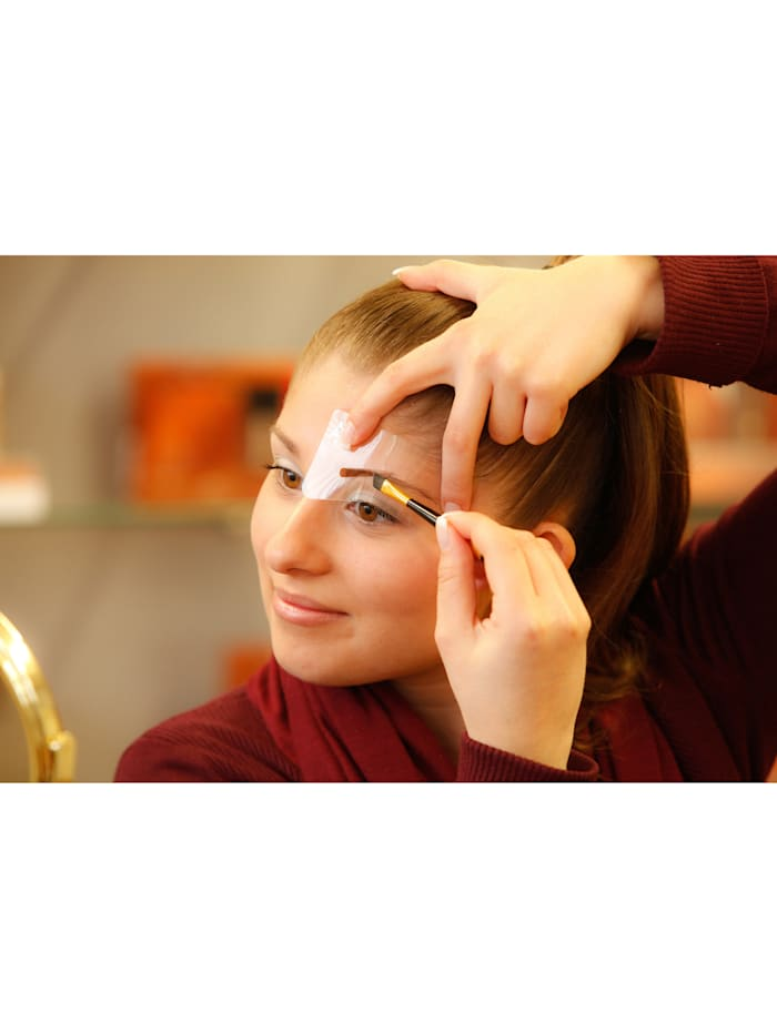 Ögonbrynsformning brun