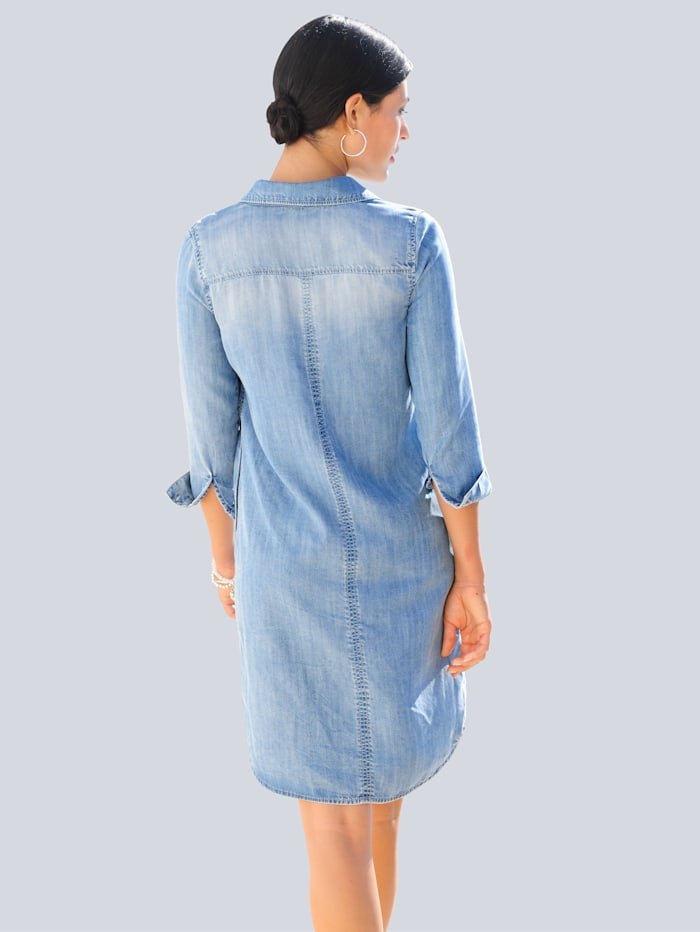 Šaty v ležérním košilovém střihu
