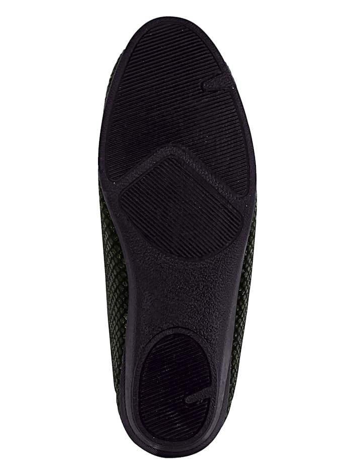 Kiiltävät kengät