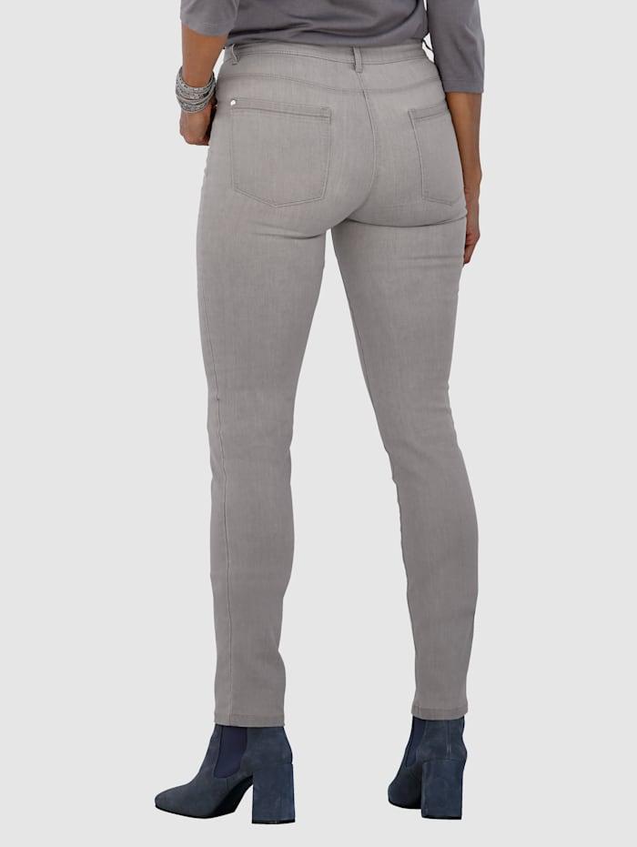 Jeans met zilverkleurige siersteentjes