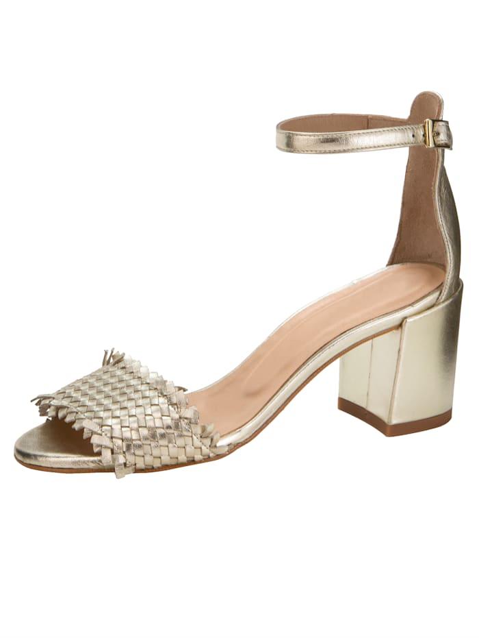 Gennia Sandale aus glanzvollem Perlatoleder, Champagner
