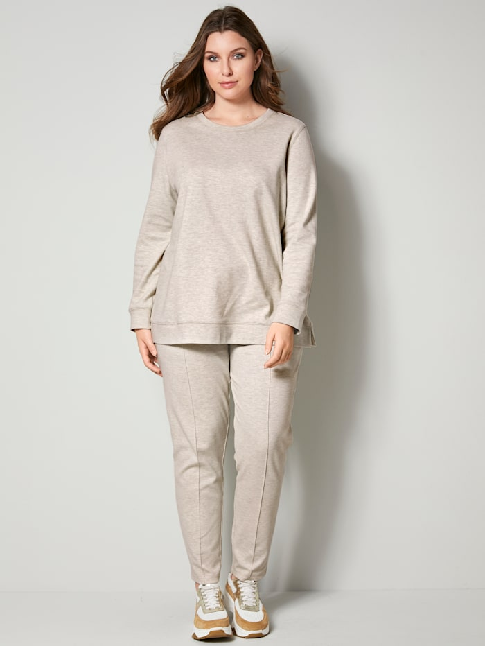 Sweatshirt mit modischen Seitenschlitzen
