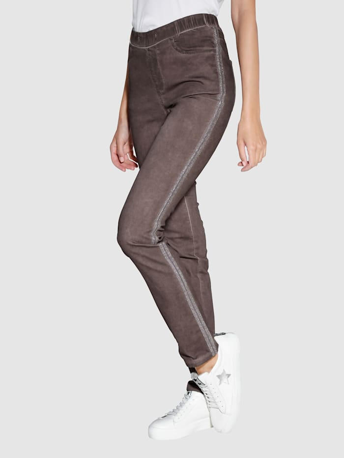 Pantalon à effet délavé oil dyed