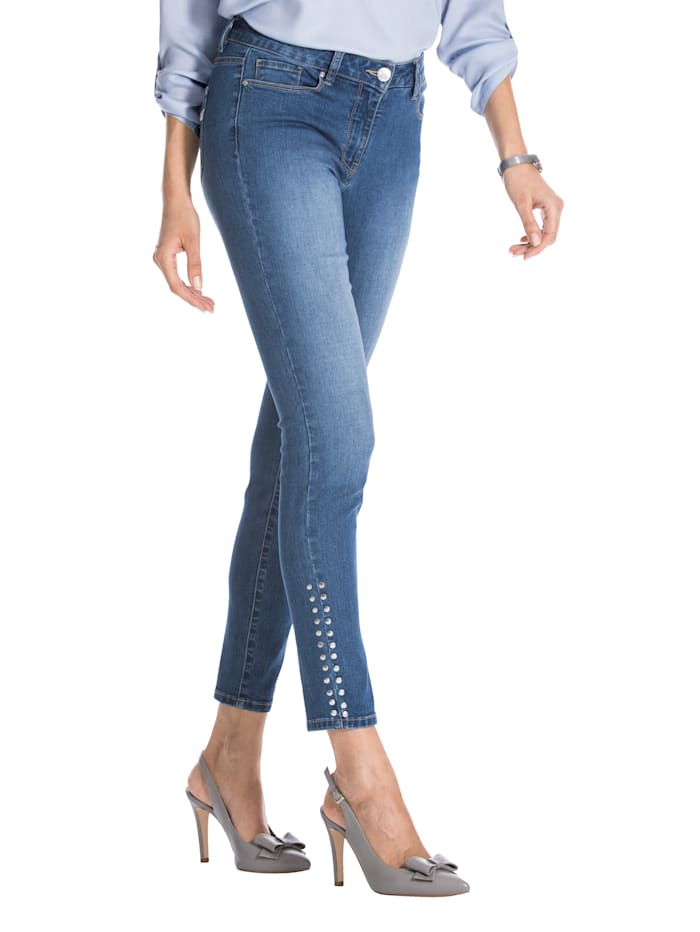 Jeans med naglepynt