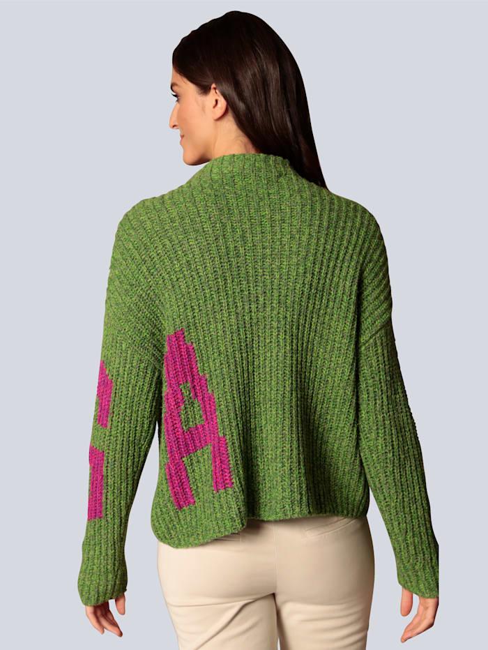 Pullover mit Kontrasten