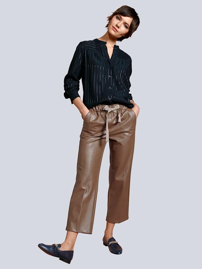 Hose in modischer Culotte Form