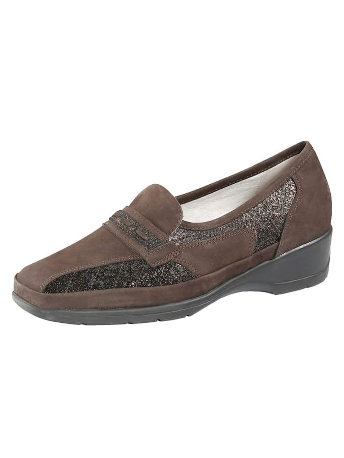 Loafers Made from premium-quality leather