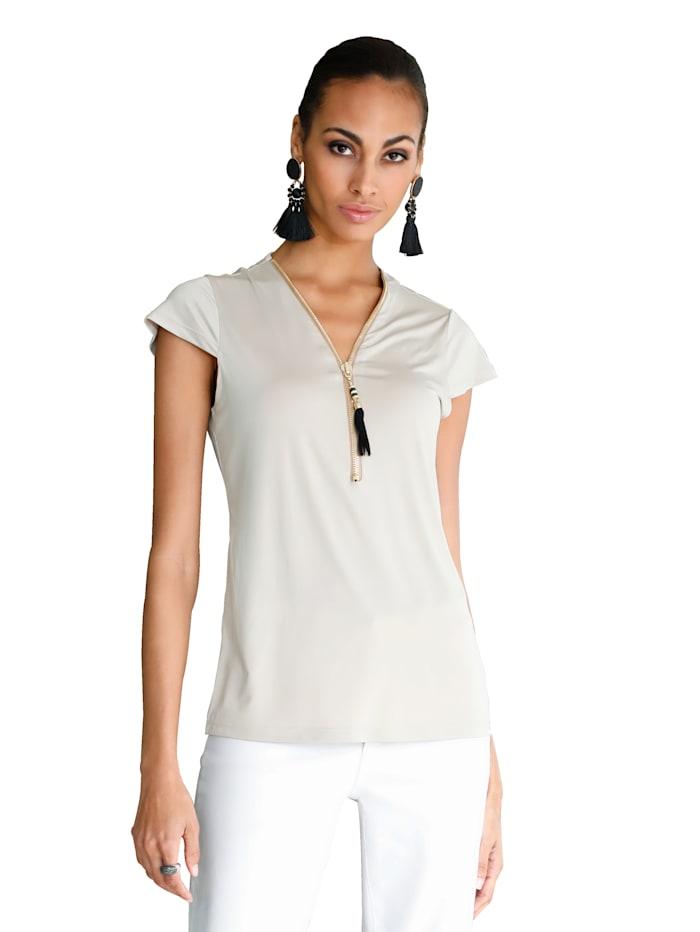 Shirt mit Reißverschluss und Quaste am Ausschnitt