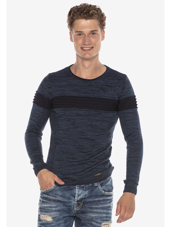 Pullover im modernen Look