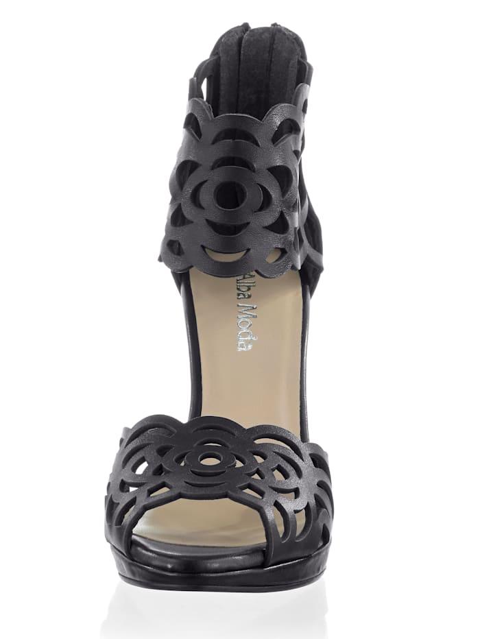 Sandalette mit Cutouts auf den Riemen