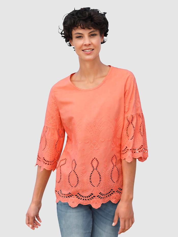 Dress In Blouse met opengewerkt borduursel, Apricot
