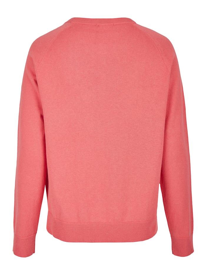 Moderner Pullover mit Ziernähten