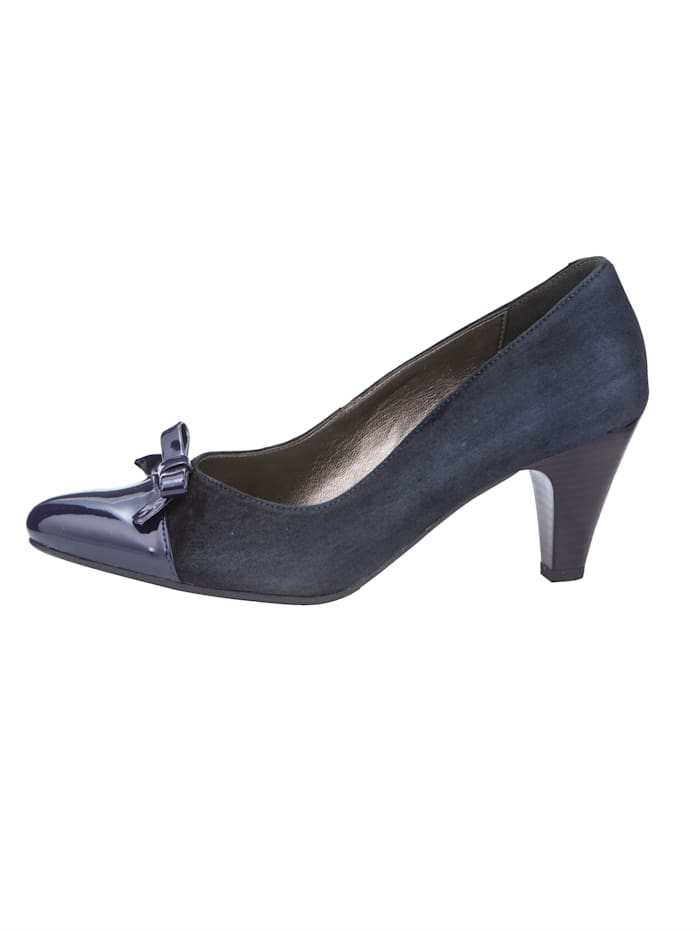 Pumps in feminin spitzer Silhouette
