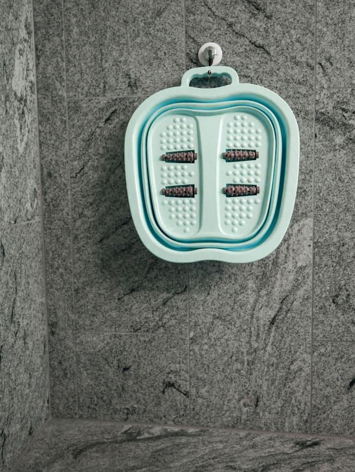 Opvouwbaar voetenbadje dat snel klaar is voor gebruik