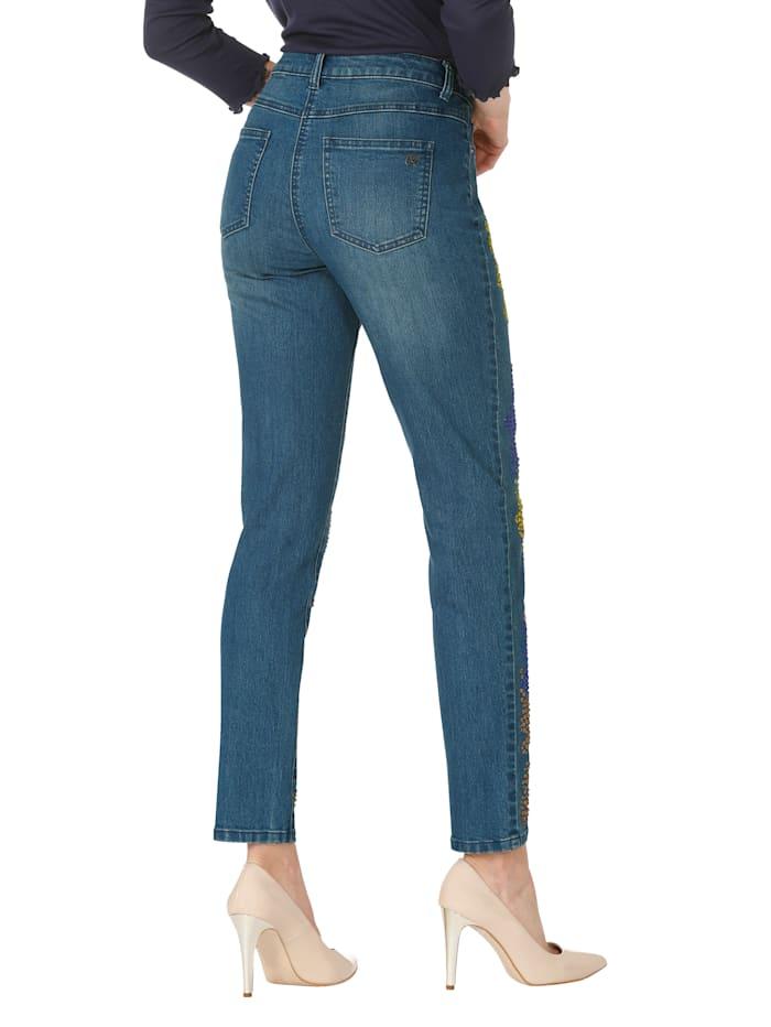 Jeans mit bunter Strassteindekoration