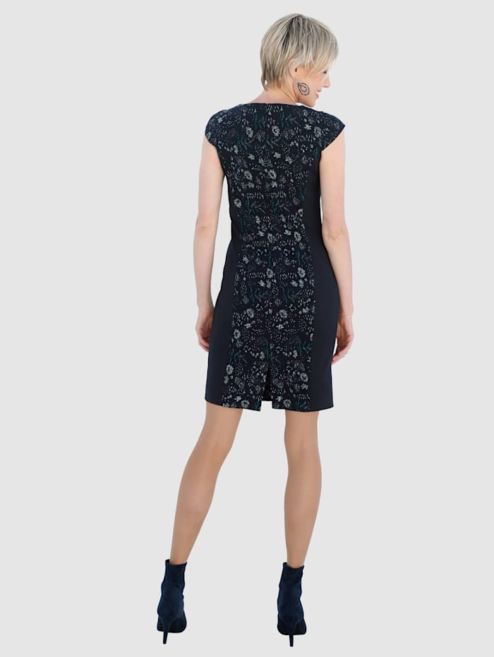 Shift Dress with a floral pattern