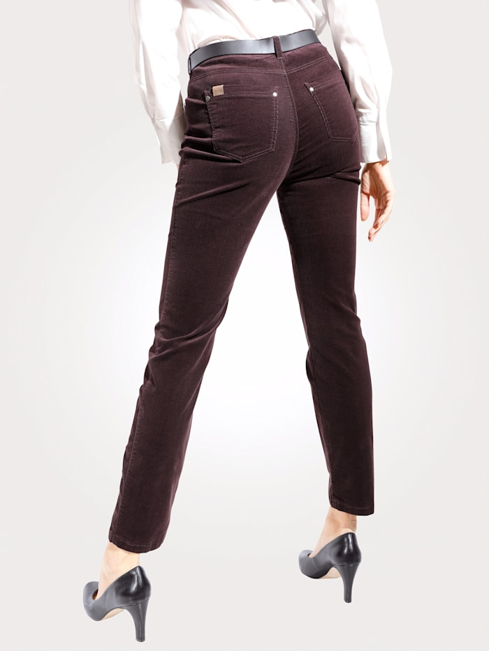 Relaxed by Toni Hose in feiner Cord-Qualität, Beere