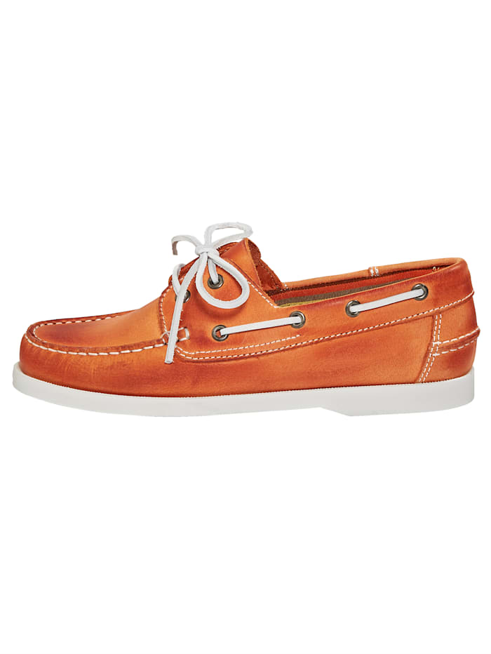 Šněrovací obuv v námořnickém vzhledu