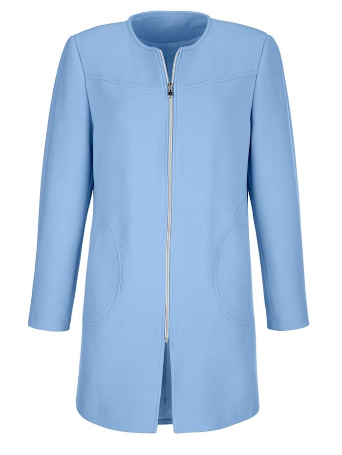 Longline blazer cut from a textured fabric