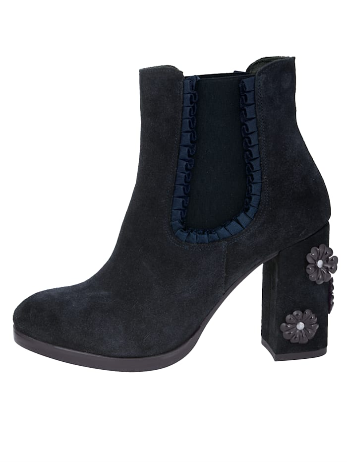 Chelsea Ankle boots Made of high-quality suede leather