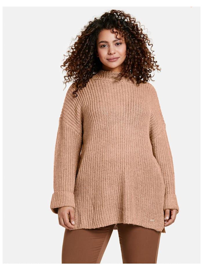 Pullover mit Seitenschlitzen