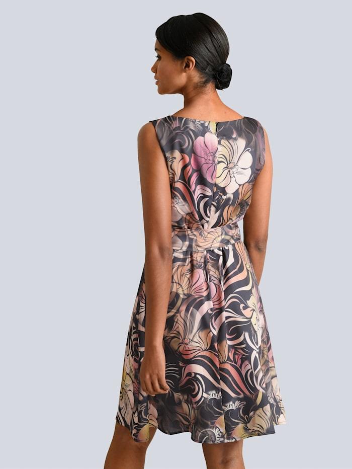 Kleid in tollem floralem Dessin