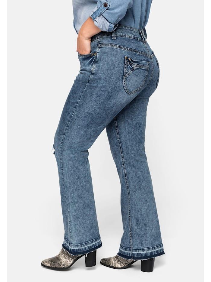 Jeans mit Destroyed-Effekten und Fransensaum