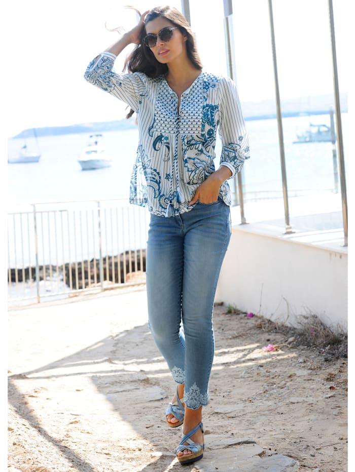 Jeans mit Ornamentstickerei