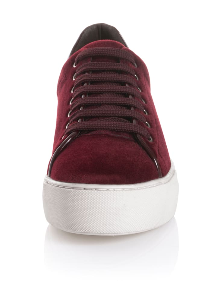 Sneaker aus wichem Samttextil